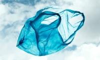 Πλαστικές σακούλες - Δεν τους νοιάζει το περιβάλλον αλλά ο χαμένος φόρος (Φ.Π.Α.)